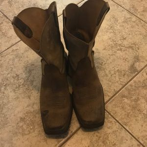 Men's Ariat Square Toed Boots